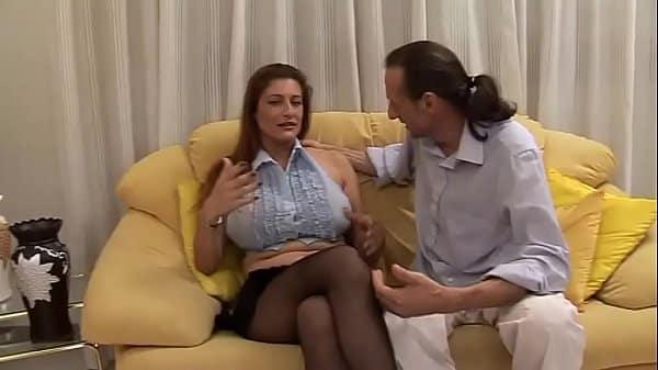 Filho fazendo sexo a força com mãe enquanto pai estava trabalhando