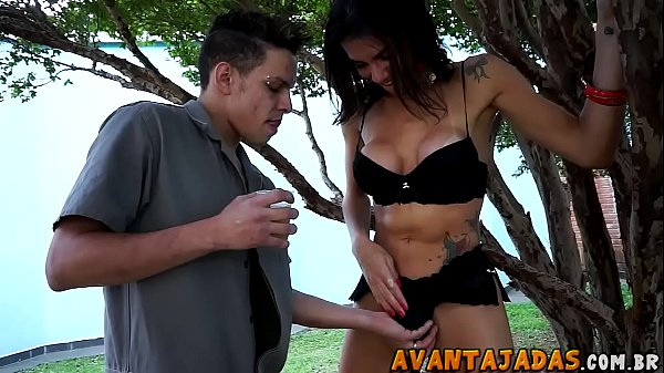 Travesti transando caiu na net em publico no meio da rua com amador
