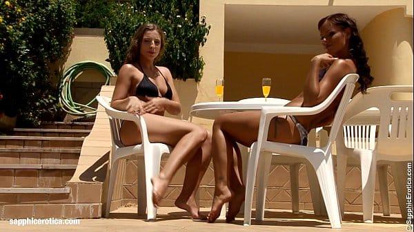 Lésbicas brincando de enfermeiras gostosas peladas nuas