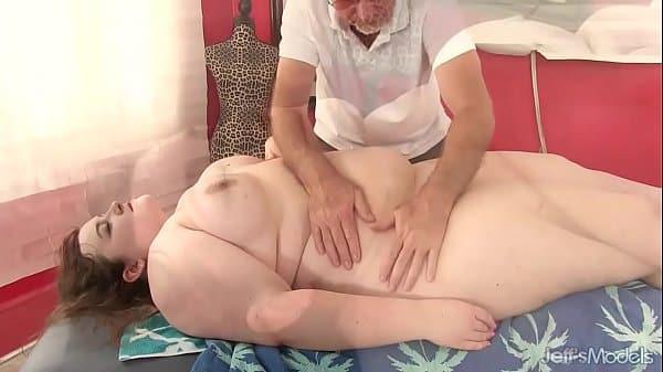 Massageando Gorda Peituda Cavala