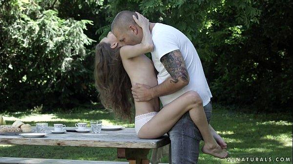 Sexo com perereca peluda da esposa sedenta