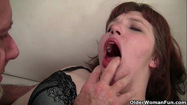 Torou a gorda branquinha e ainda gozou na cara dela
