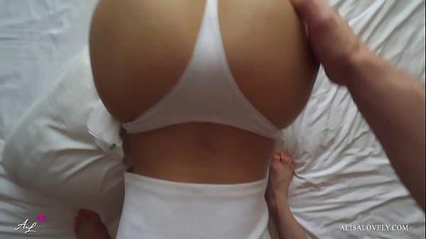 Amadora safada mamando a pica do primo mais novo