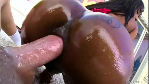 Sobrinha negra da buceta quente fodendo com tio delinquente