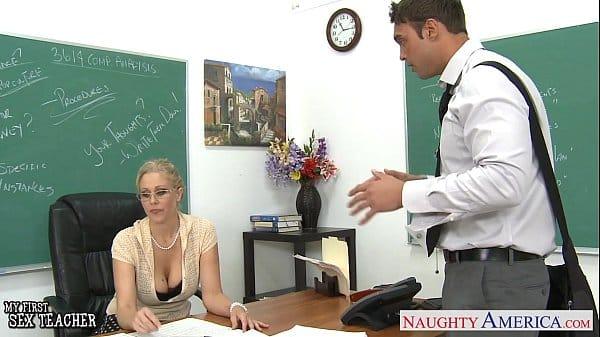 Professora da putaria em ação na escola do sexo