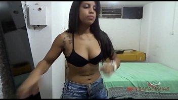 Atriz muito gostosa fazendo filme porno brasileiro com amante em porno amador