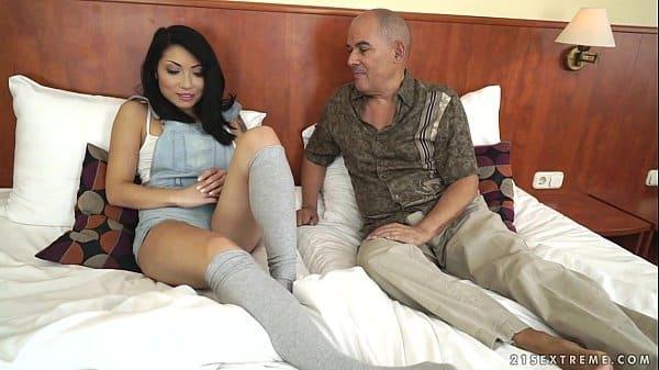 Filha no cio querendo sexo