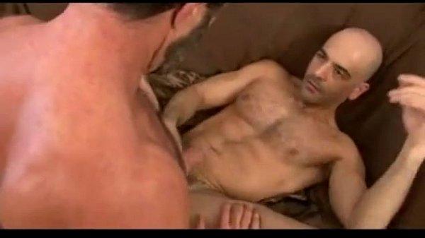 Peludinhos bem quentes no sexo gostoso se comendo na penetração