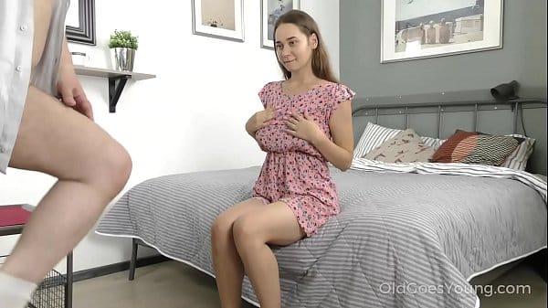 Gatinha amadora caiu na net fazendo sexo com tio