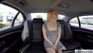 Novinha rabuda transando gostoso com um taxista