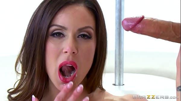 Videos de mulheres tomando gozadas dentro da boca
