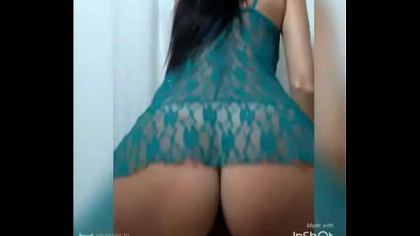 Destruindo o cuzinho da puta no anal violento