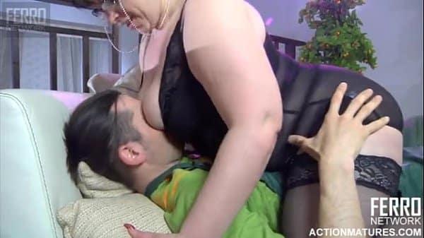 Vídeo de incesto em HD mãe e filho fazendo sexo