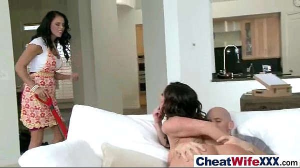 Dona de casa gostosa pega marido fazendo adulterio