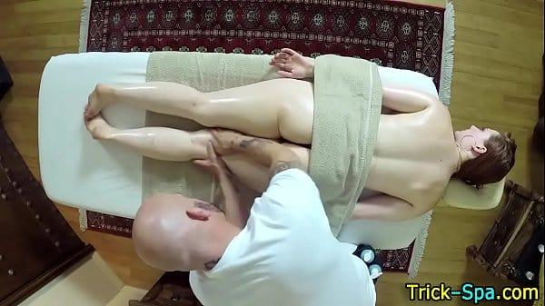 Ela fazia massagem apenas para trair marido transando