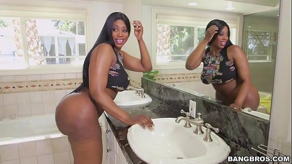 Comendo bunda gostosa da empregada domestica negra