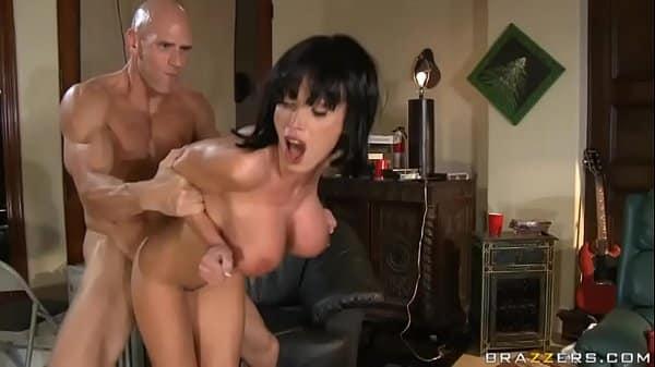 Namorada fodendo muito gostoso com seu namorado taradão