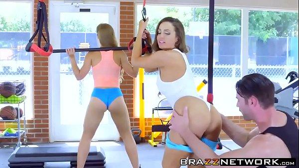 Fodendo mulheres gostosas na academia peladas