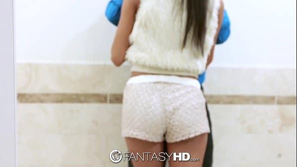 Modelo camera prive transando no banheiro