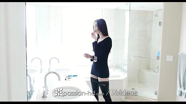 Pornor gratis por cima da rola gemeu gostoso