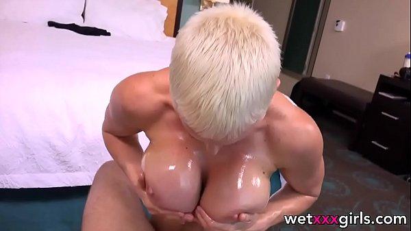 Red tub filmando mãe dando pra vizinho