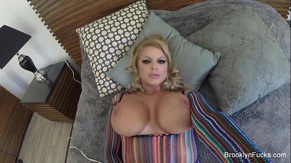 Vidios porno gostosa ficando pelada na sala
