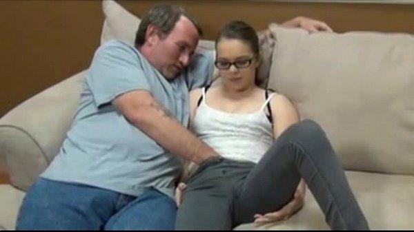 Xnnx pai e filha transando