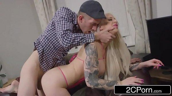 Sexo gostoso com a putinha no meio da tarde
