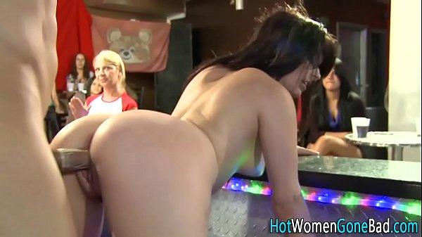 Comendo tia peituda na festa porno da prima