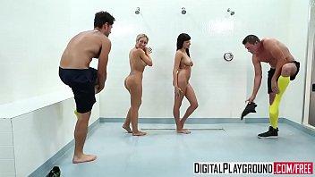 Dedada digital de joelhos mamando gostoso seu namorado