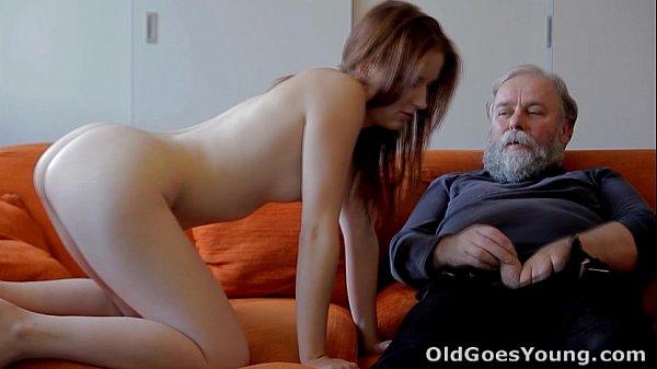 Pai Comendo Namorada Do Seu Filho