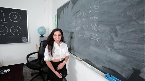 Sexo gratis na sala de aula ela mete gostoso