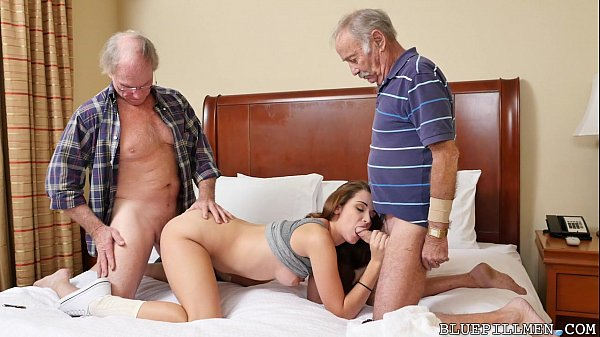 Sexoquentetv dois velhotes socando gostoso na novinha