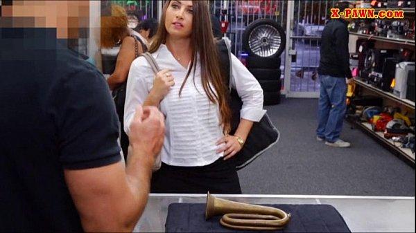 Safado filma namorada dando pra outro homem
