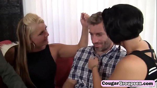 Porno de suruba com as milfs