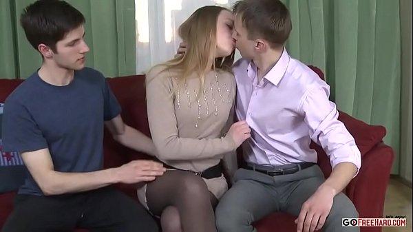 Sexos posições com a ninfeta e os colegas