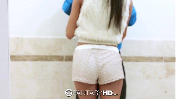 Visita surpresa no banheiro do cunhado