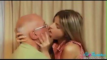 Avô tarado por neta novinha gostosa