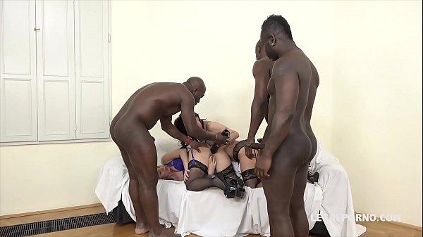 Sexyhot gostosas arrombadas sendo fodidas por negros