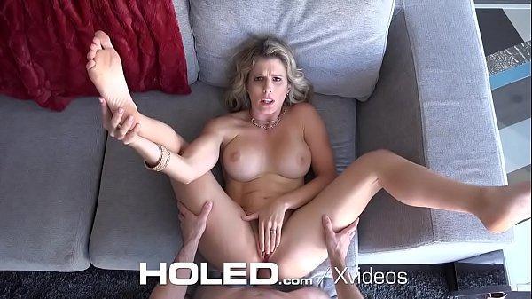 Tia gostosa no porno fazendo sexo anal