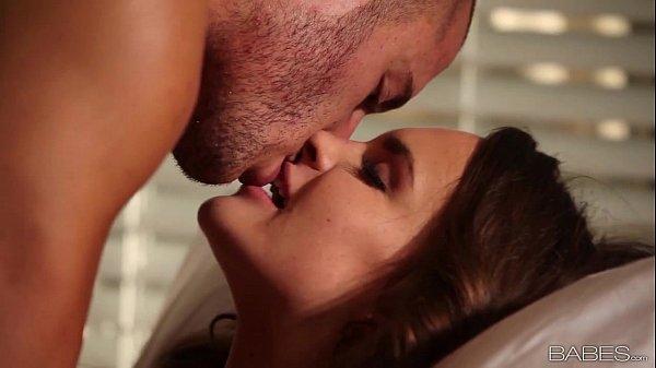 Mulher pelada linda em video de sexo gostoso