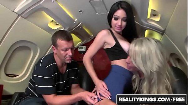Novinhas safadas fazendo sexo com cara rico