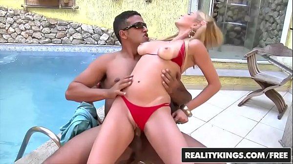 Porno brasileirinha gostosa loira fazendo sexo