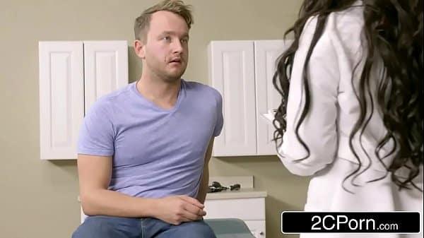 Porno médica safada fodendo com paciente