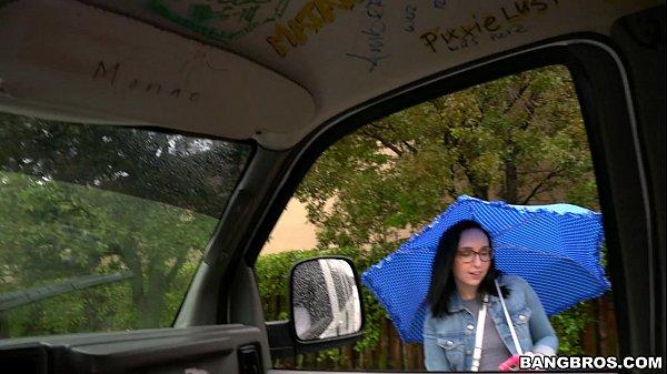 Pornotube novinha transando no carro com desconhecido