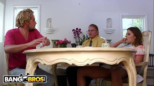 Purenudism putinha gostosa fazendo sexo anal