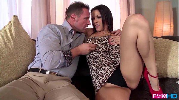 Puta gostosa em video porno gratis fodendo