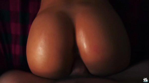 Sexo brasileiro com novinha toda pelada na cama