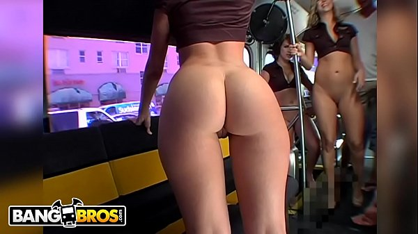 Sexo suruba mulheres safadas fodendo na limousine