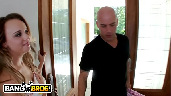 Siririca na novinha durante massagem vira sexo
